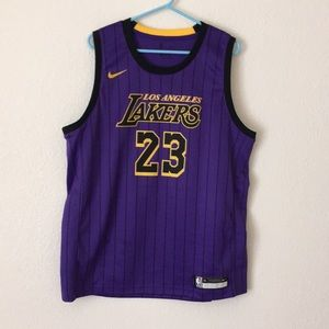 Los Angeles Lakers LeBron James Jersey Size XL